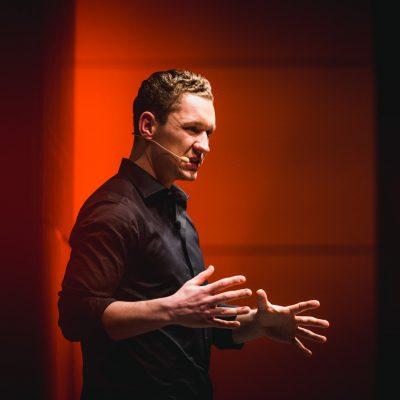 LAURI KULT Interviewgast Persönliche Krisen meistern Podcast Olaf Schild